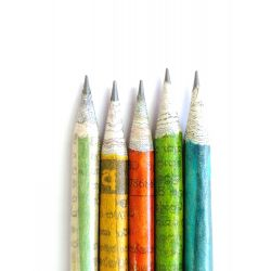Pack de 10 crayons en papier journal